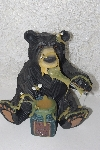 "**MBAMG #0031-011  ""2005 Honey Bear Collection Figurine"""