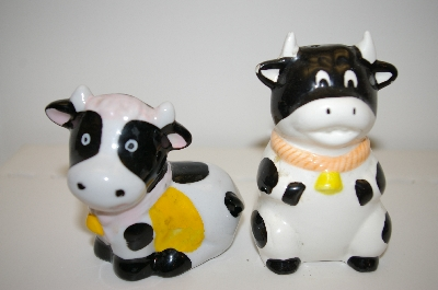 Pair Of Black & White Cows With Yellow Bows Salt & Pepper Shakers